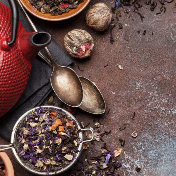 infusions tisanes marque eight powers -illustration produits naturels et biologiques - herbes et fruits séchés